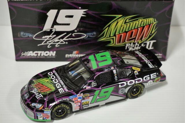 1/24 Jeremy Mayfield #19 Mountain Dew/Pitch Black II 2005 Dodge Diecast Auto