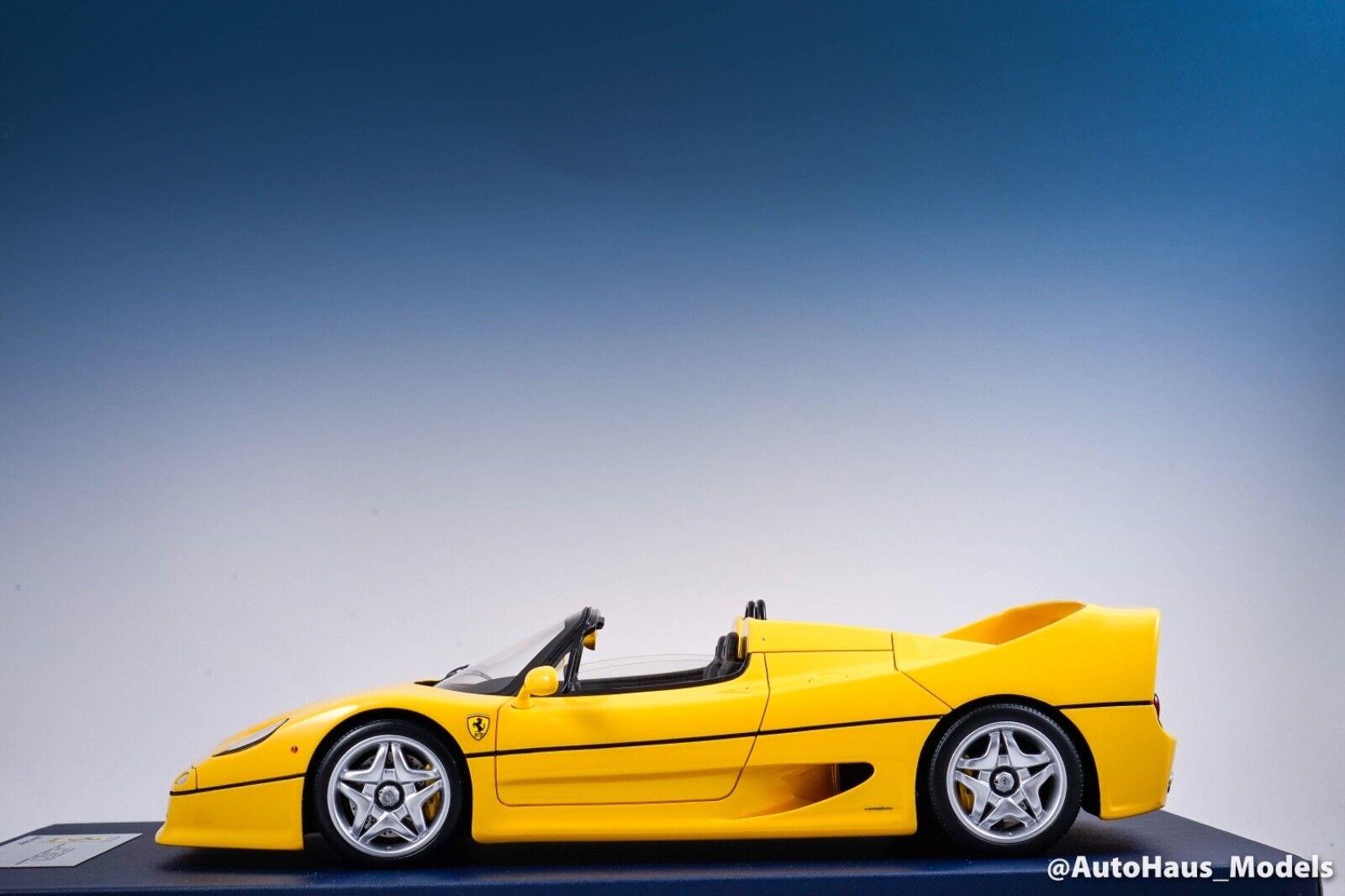 1 18 Looksmart MR Ferrari F50 Spider in Gelb on Blau Leather Base With Display