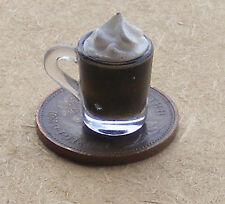 1:12 handmade caffè irlandesi in un vetro di plastica Casa Bambole Miniatura bere HW 2
