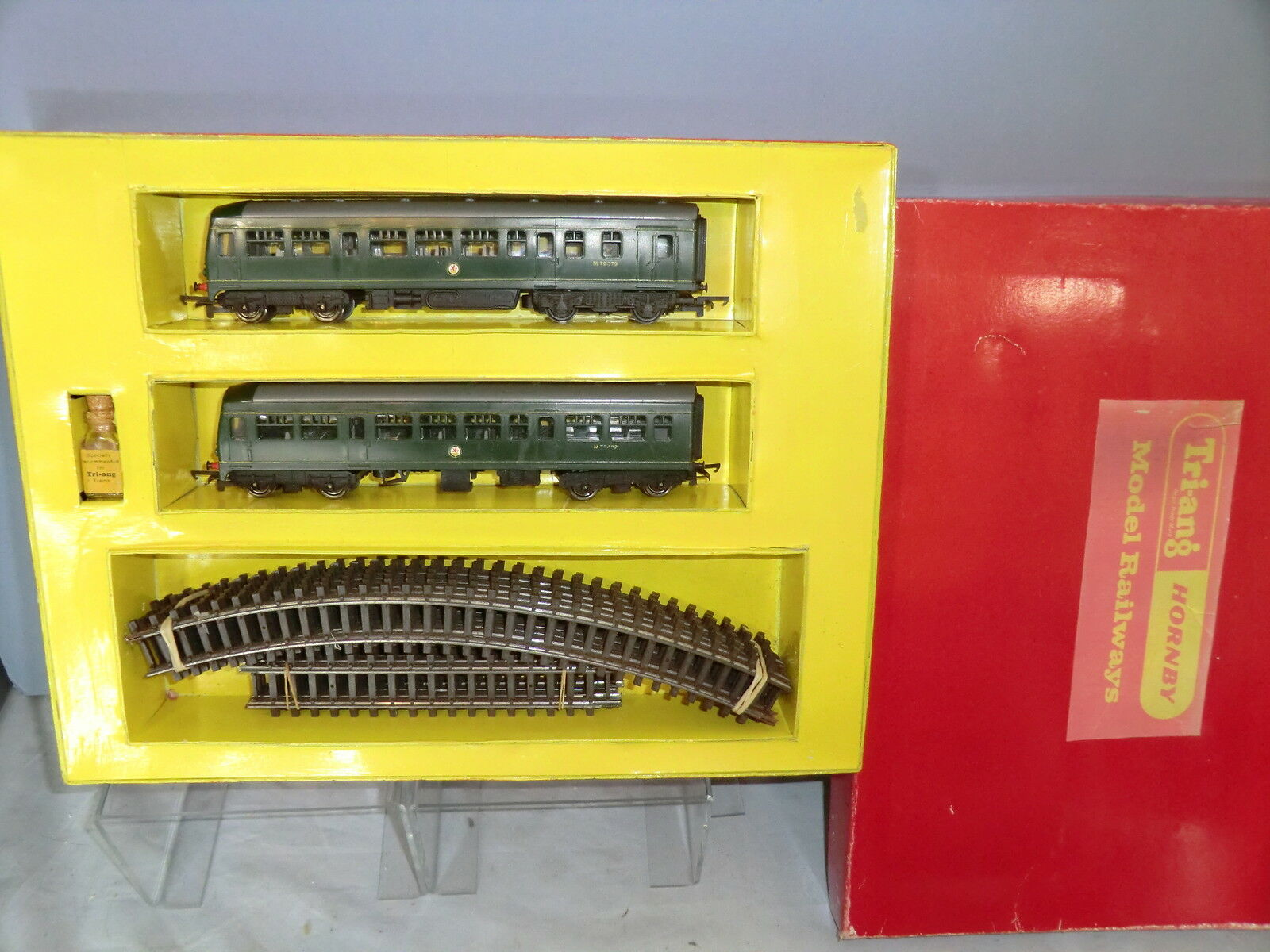 TRI-ANG  RAILWAYS MODEL No.RS7 2 CAR   DMU   SET  HAND MADE REPLACEMENT COPY BOX
