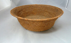 "Native American Weave Small Basket Bowl. Nice Design. Approx 2.75"" T & 6.25"" D"