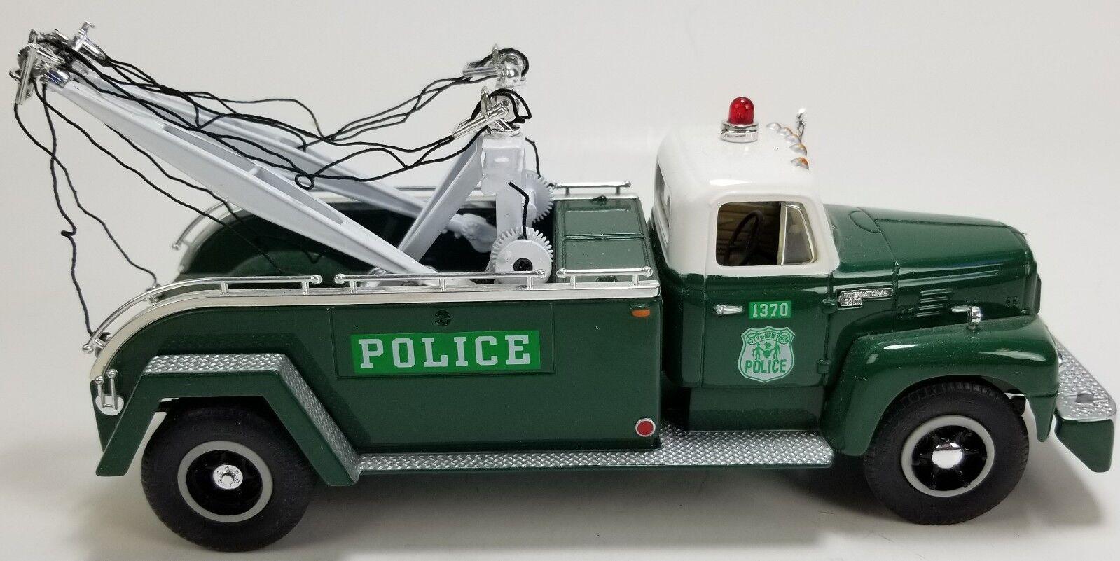 1957 International R-200 Tow Truck 19-1195 policía de Nueva York Modelo Diecast First Gear