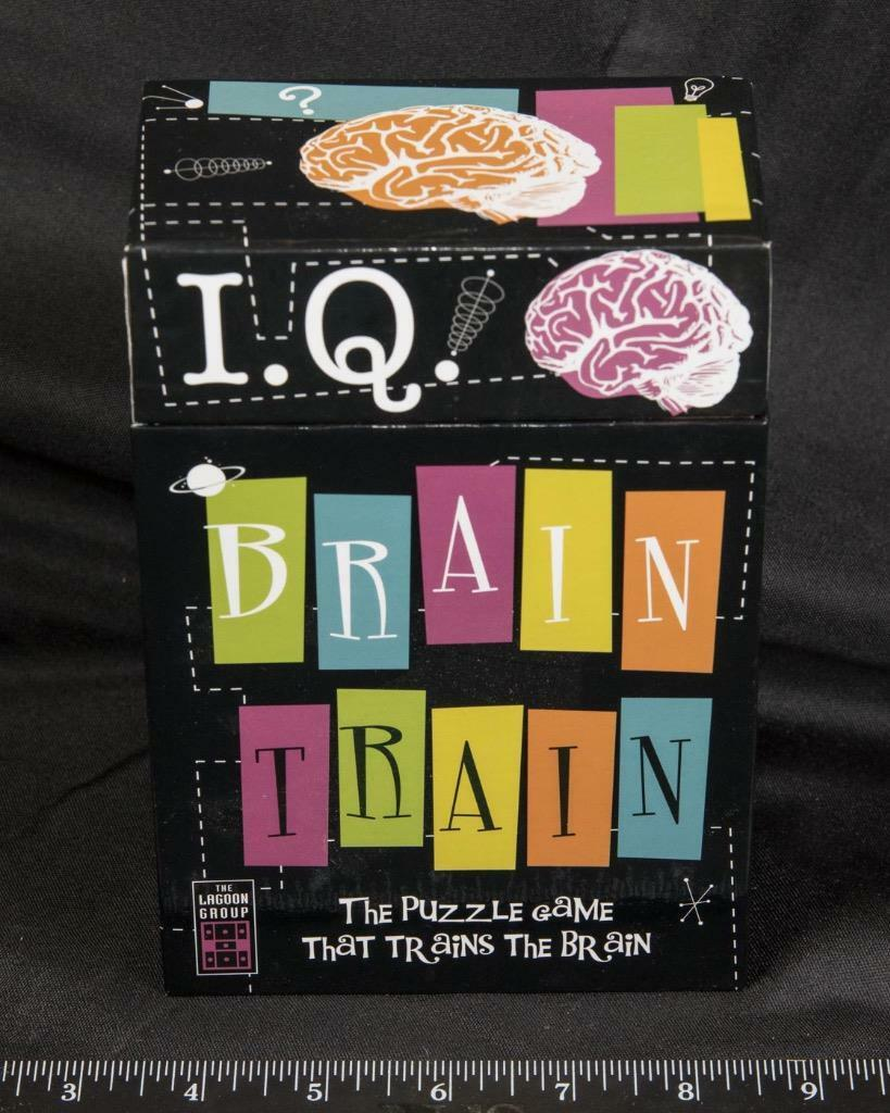 I.Q. Brain Train the Puzzle Game that Trains the Brain puzzle Cards amk