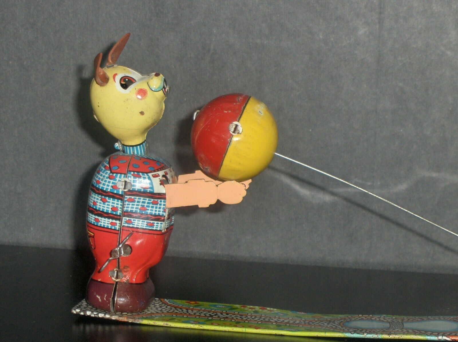 japan TPS Bear Spela boll Tin Wind Up leksak I Mycket bra kondition...