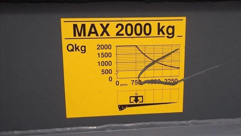 Iveco 120E21 - 22 pallers fragtbil lift og spil, årg. 2004