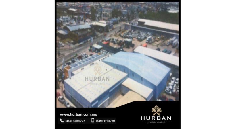 HURBAN Renta amplio complejo de 2 pisos con oficinas y bodega.