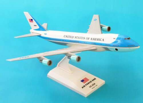Skymarks Air Force One VC25 747-200 1/250 Scale Model with Stand