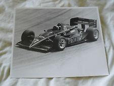 10 x 8 MOTORSPORT PRESS PHOTO - 1985 ARIE LUYENDYK INDYCAR - PROVIMI VEAL