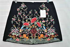 New-Zara-Woman-Black-Embroidered-Floral-Fully-Lined-Mini-Skirt-Medium-NWT