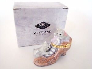 Porcelain-Hinged-Box-Two-Kitty-Cats-in-Victorian-Shoe-Trinket-Box