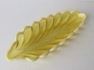 A-Scarce-Art-Deco-Davidson-Yellow-Pearline-Pressed-Glass-Banana-Split-Dish-902