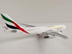 Emirates-Airbus-A330-200-1-500-Herpa-514132-001-A330A-330-A6-EAS-Dubai