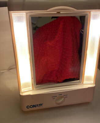 CONAIR 5x/1x MAGNIFICATION REFLECTIONS HOME VANITY MIRROR  IN BOX