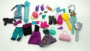 Monster-High-Random-Accessories-Lot-Clothes-Shoes-Brushes-Mattel