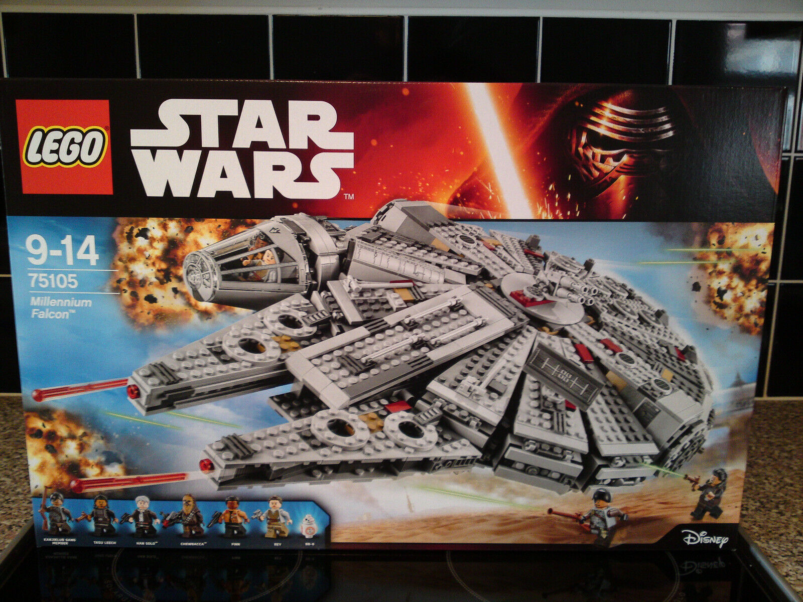 LEGO Star Wars Millennium Falcon (75105) Mint sealed Chewbacca Han Solo BB-8