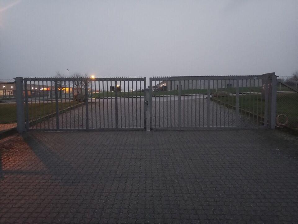 Anden port, Gunnebo Industri, b: 800 h: 180