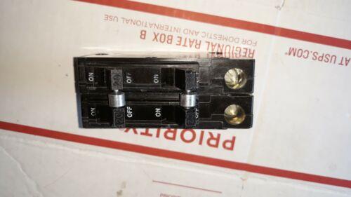 SQUARE D QUAD PIGGY BACK  QO220220 4 POLE 20 AMP 120//240V FOR QO LOAD CENTER