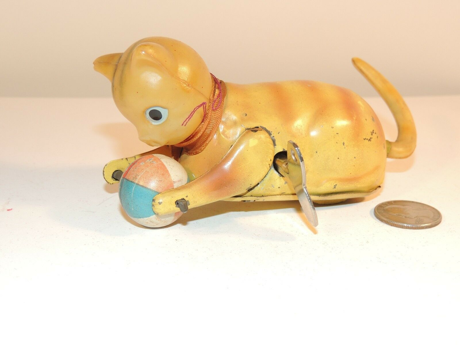 Wind Up Celluloid and metal Cat made in occupied Japan  8084