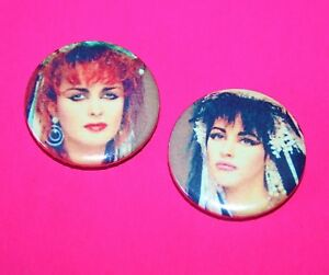 SET-OF-TWO-STRAWBERRY-SWITCHBLADE-JILL-BRYSON-ROSE-MCDOWALL-BUTTON-PIN-BADGES