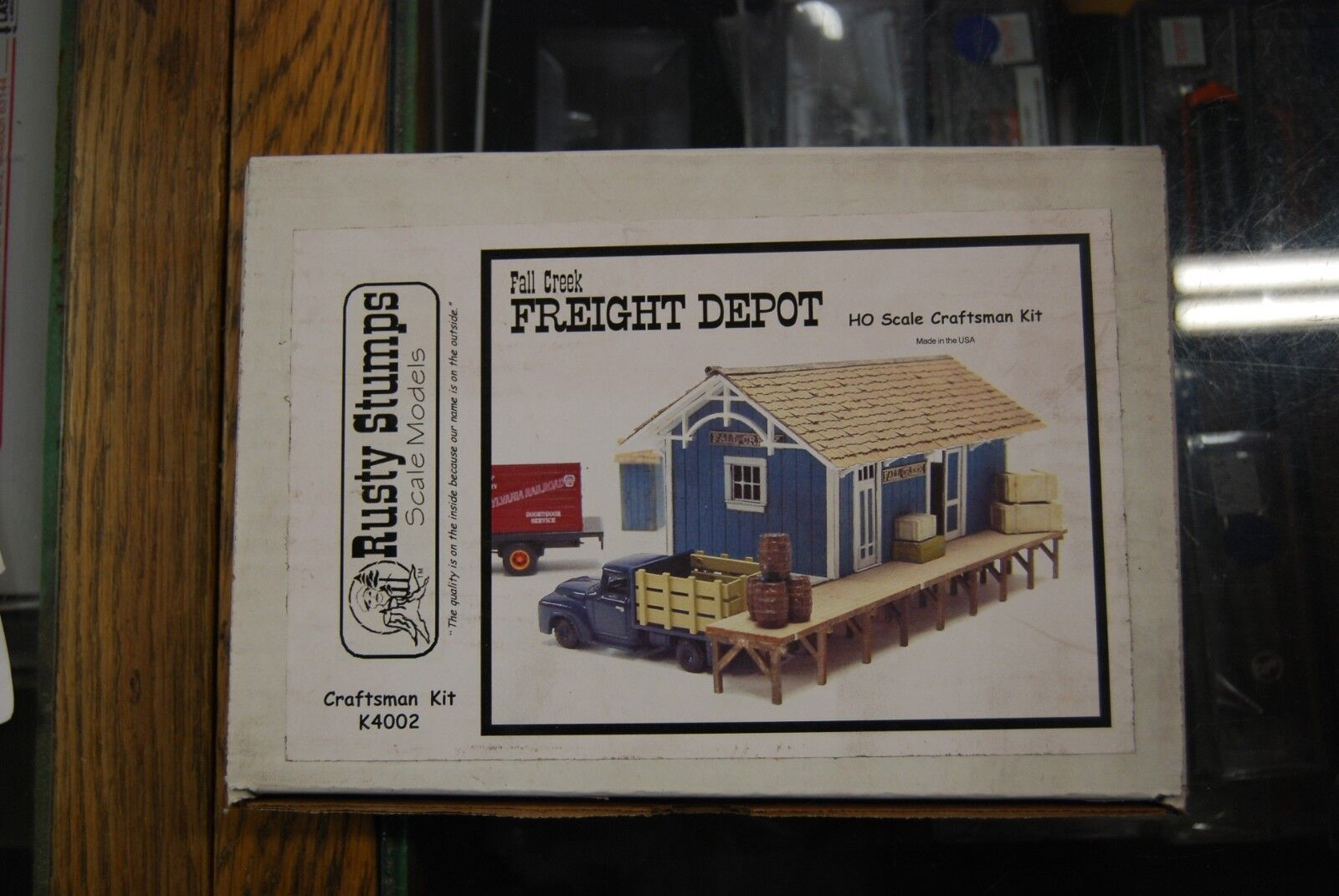 Lot 11-47 * HO Scale Rusty Stumps Scale Models  K4002, Fall Creek Freight Depot