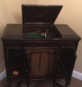 ... Antique 1929 Victor Victrola Phonograph VV4 40 Record