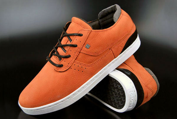 Globe cortos comanche low Rust zapatos
