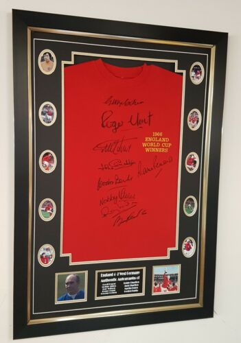 England 1966 SIGNED Shirt Autograph Display