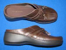 7.5 M Easy Spirit Abetti Brown Leather Ladies Womens Shoes Slip on Clogs Mules B