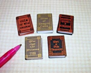 Miniature-Halloween-WIZARD-Reference-Books-DOLLHOUSE-Miniatures-1-12-Scale