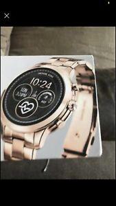 michael-kors-smart-watch-women