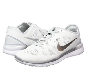 nike libre 5,0 tr digne 5 bas chaussures chaussures chaussures chaussures femmes Blanc  704674-100 taille 11 nouveaux 6a1d83