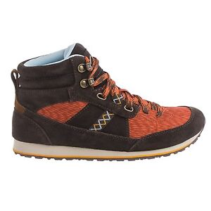 are clarks walking boots any good