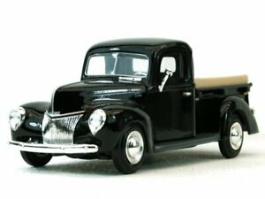 FORD Pick up - 1940 - black - MotorMax 1:24