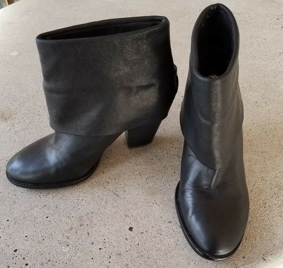 Vince Camuto Womens Brass Ankle Booties Boot Black Leather Fold Over Cuff Sz 10