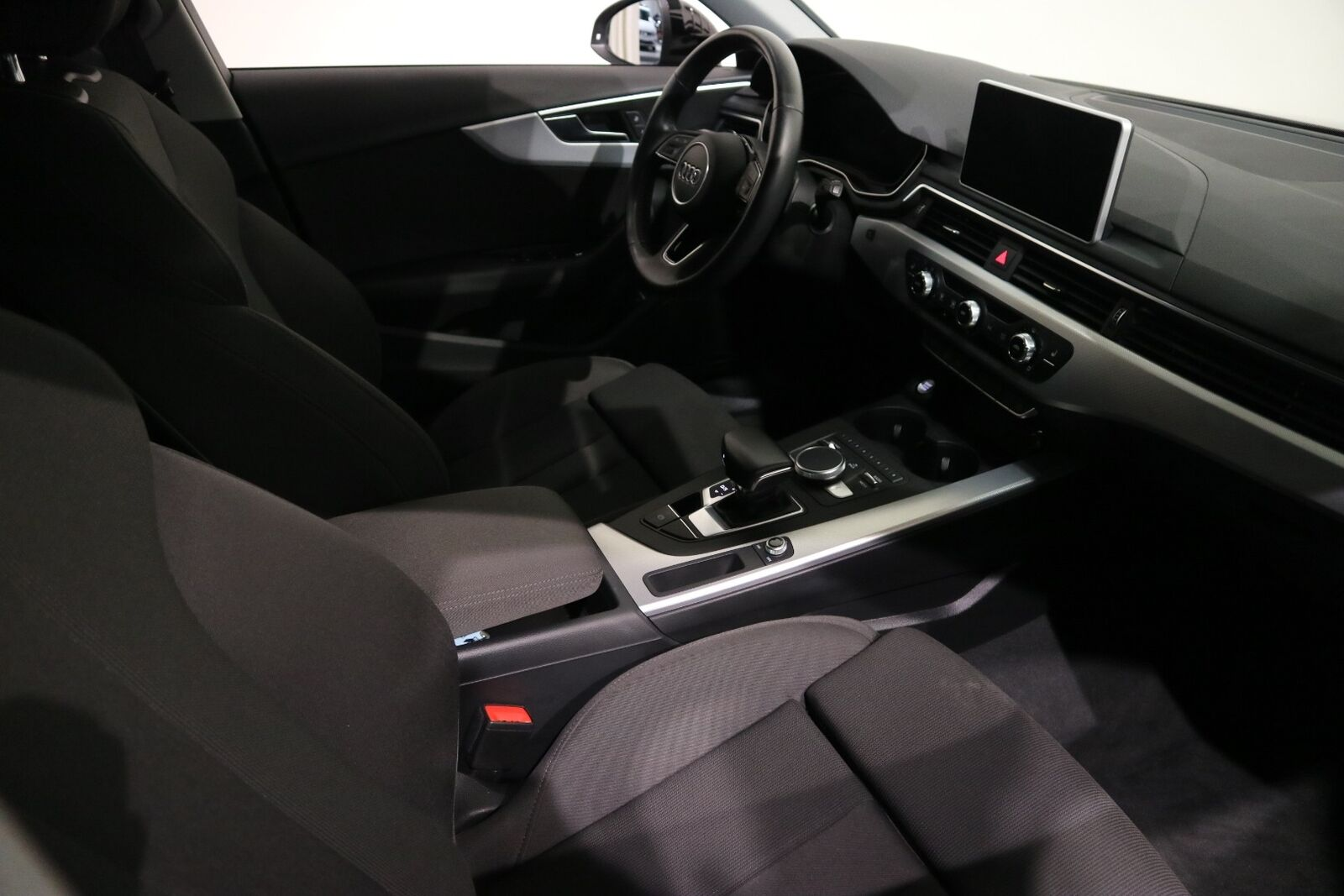 Audi A4 3,0 TDi 218 Sport Avant S-tr. - billede 14