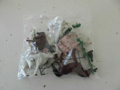 Lot 15 figurines plastiques de la ferme 1//43 agriculteur animaux outils sachet