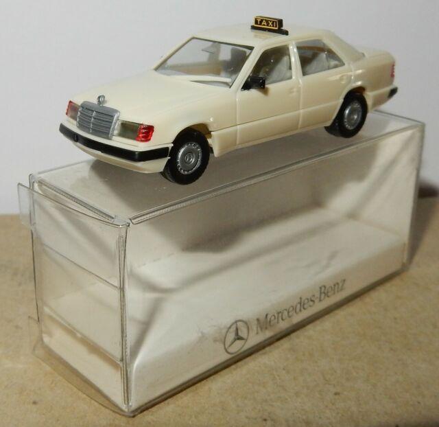 """1//87 MB E-Klasse T-Model /""""Taxi/"""" Busch 49466 HO"""