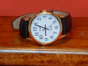 Pre-Owned-Women-s-Timex-Easy-Read-Quartz-Analog-Watch