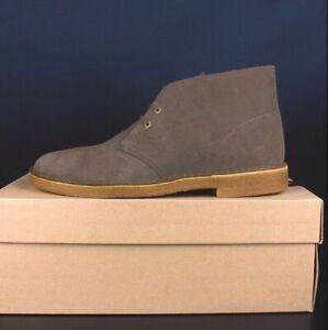 CLARKS 28682 Olive Suede Desert Boot