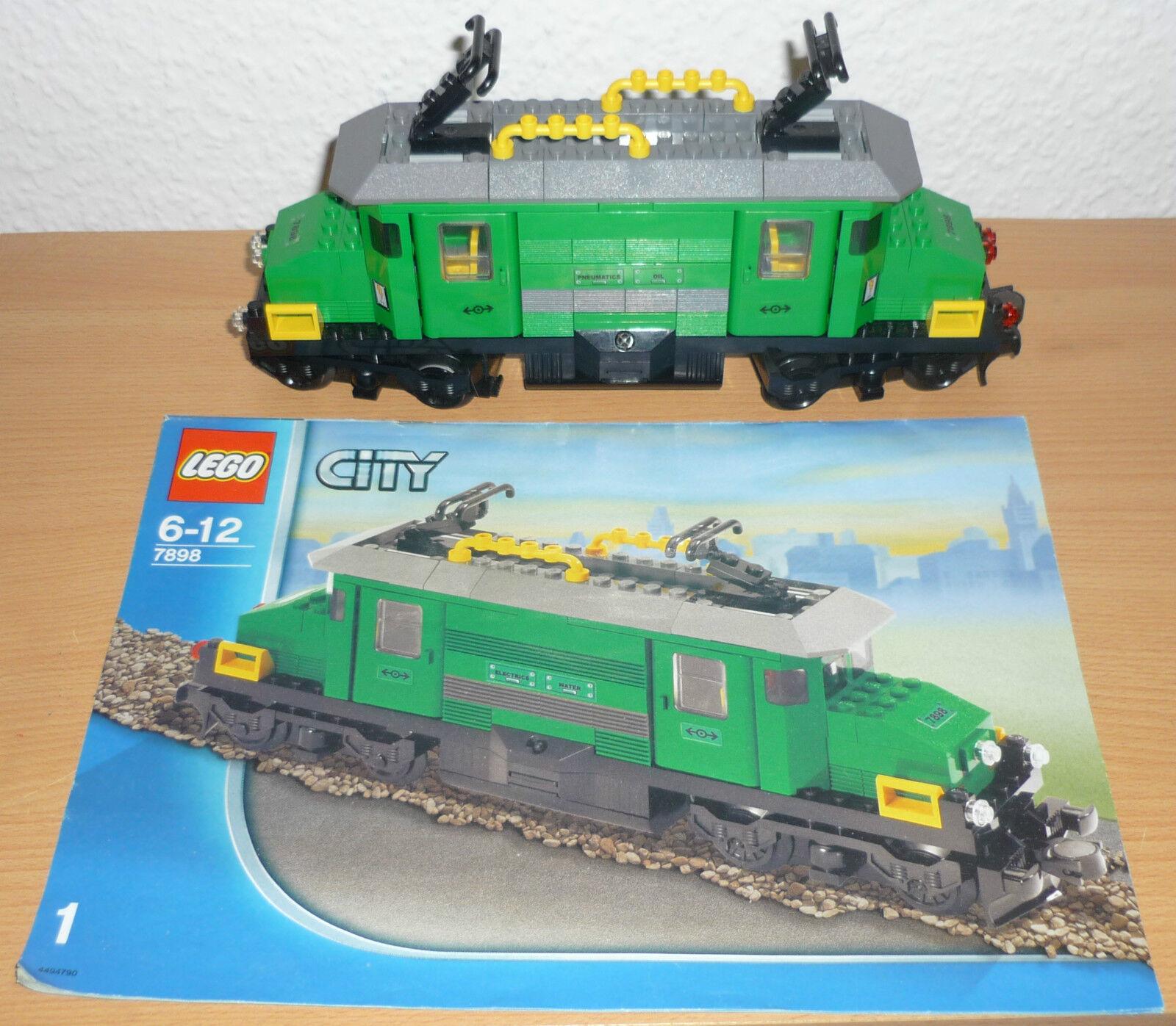 LEGO 7898 Ferrovia Locomotiva grande in verde  parte 1