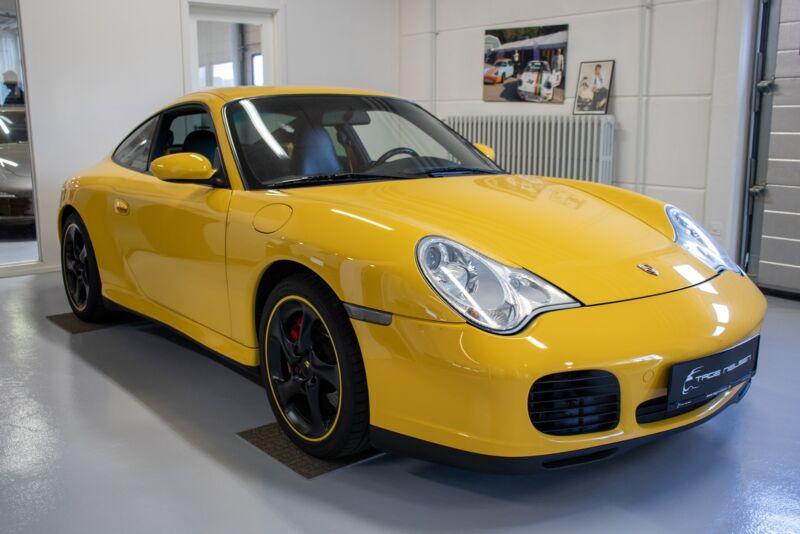 Porsche 911 Carrera 4S Coupé Tiptr. - 2