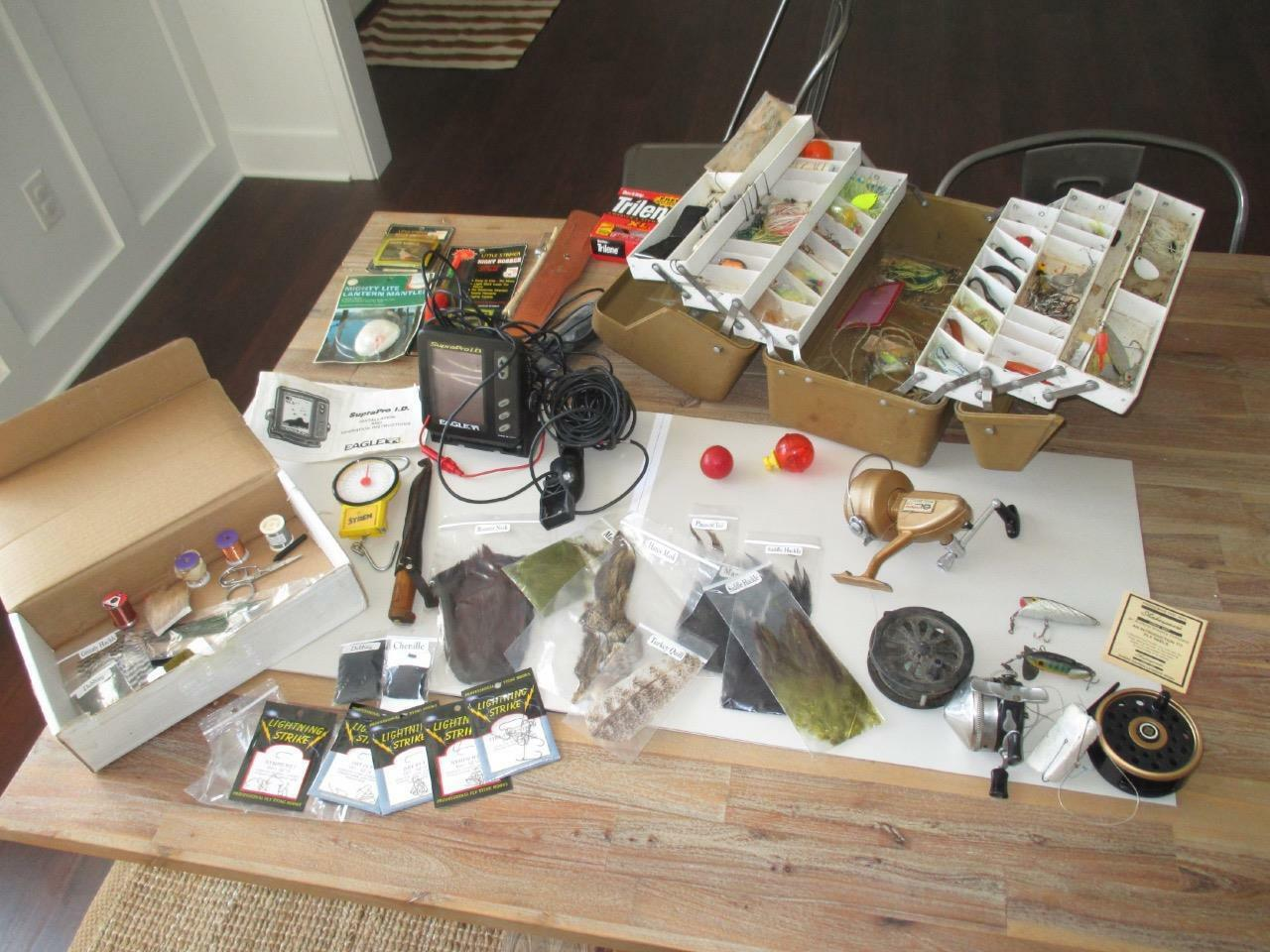 Huge Vintage  Fishing Lot Lures Reels Fly Furs Feathers Eagle Pro Fish Finder  low 40% price