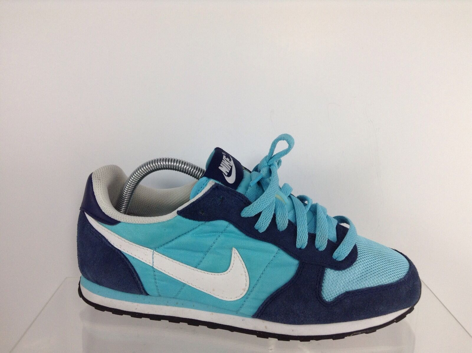 Nike Womens Blue Athletic Shoes 9