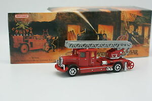 Matchbox-Yesteryear-Fire-Engine-Pompiers-1-43-Mercedes-Ladder-Truck-1932