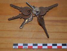 Lot de 6 clés dont 4 assez anciennes City 27015 et 27024