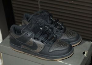44de7d6bf60 Nike DUNK LOW PRO SB (2003) Black Black Ostrich Skate 304292-003 ...