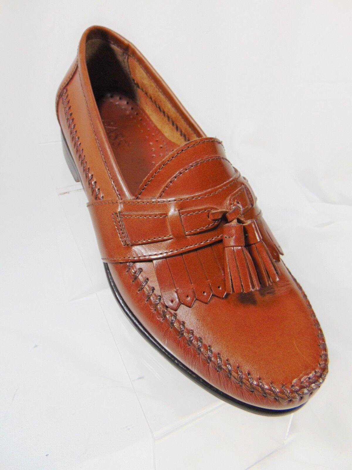 BASS Women's Kiltie Tassel Loafer Style shoes 7.5 M Brown Slip On Brazil Leather