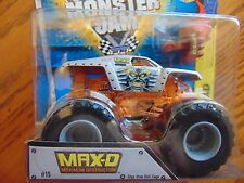 MAXIMUM  DESTRUCTION with  Edge Glow Roll Cage Hot Wheels Monster Jam  2015