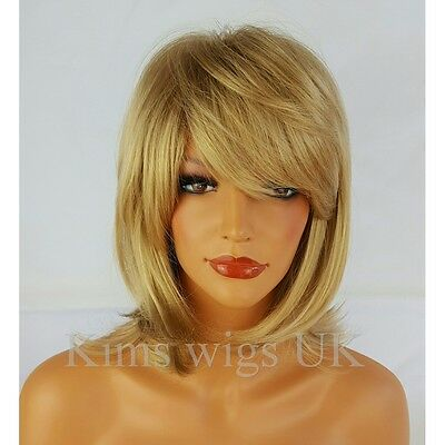 FULL WOMENS LADIES FASHION HAIR WIG BLONDE MIX SHOULDER LENGTH FLICKED & LAYERED