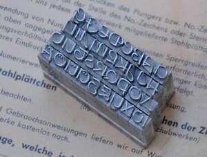 Alphabet-Bleilettern-Vintage-Stempel-Letter-Initiale-Druckbuchstabe-shabby-rar